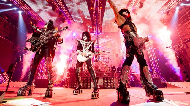 Paul Stanley of Kiss on Guitar-Smashing, Phones at Concerts, and Why He Doesn't Swear Onstage